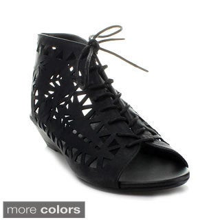 Refresh Women's 'Danny-03' Laser-cut Lace-up Booties