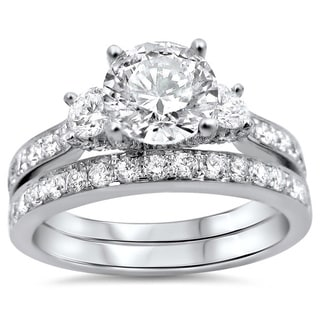 18k Gold 1 3/4ct TDW Round 3-stone Diamond Bridal Set (G-H, SI1-SI2)