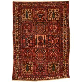 Antique 1920's Persian Hand-knotted Bakhtiari Red/ Ivory Wool Rug (4'9 x 6'9)