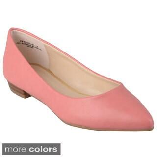 Journee Collection Women's 'Gwynne-01' Pointed Toe Slip-on Flats