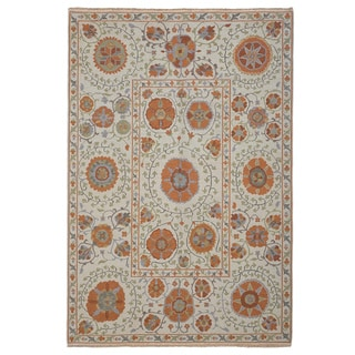Hand-woven Indo Suzani Linen/ Orange Floral Wool Area Rug (3' x 5')
