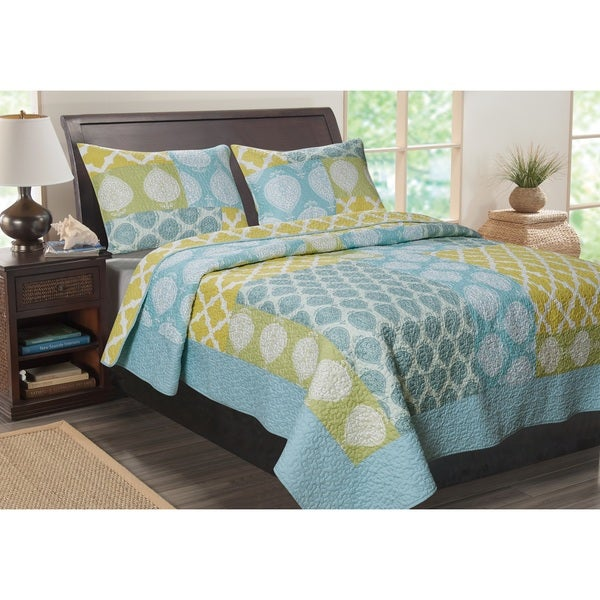 Greenland Home Fashions Avalon Contemporary Quatrefoil 3-Piece Quilt Set