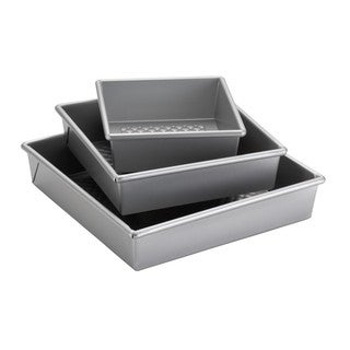 Cake Boss Professional Nonstick Bakeware 3-piece Silver Square Cake Pan Set