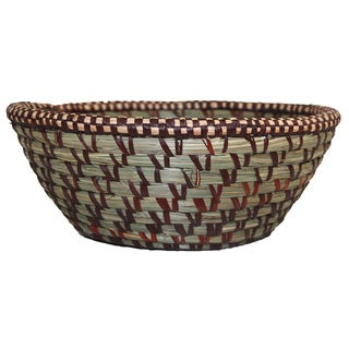 Hand-woven Round Brown Sweetgrass Swirl Basket (Rwanda)
