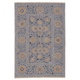 Hand-woven Indo Suzani Grey/ Black Wool Rug (4' x 6')