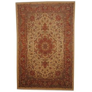 Persian Hand-knotted Tabriz Ivory/ Peach Wool and Silk Rug (6'6 x 9'10)