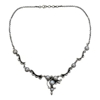 Sterling Silver 'Cloud Song' Pearl Necklace (5-8 mm) (India)