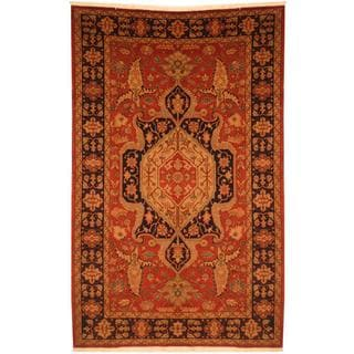 Persian Hand-knotted Heriz Serapi Red/ Navy Wool Rug (6'8 x 10'5)
