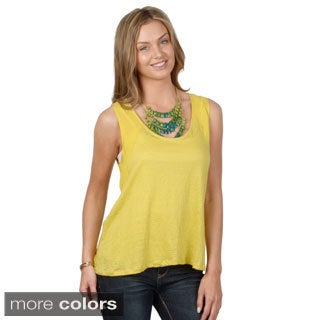 Hailey Jeans Co. Junior's Sleeveless Key Hole Back Top