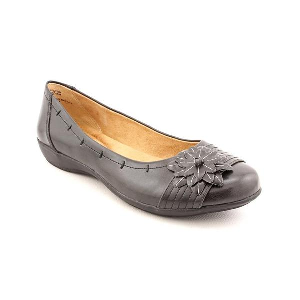 White Mountain Women's 'Mum' Leather Dress Shoes (Size 8 )