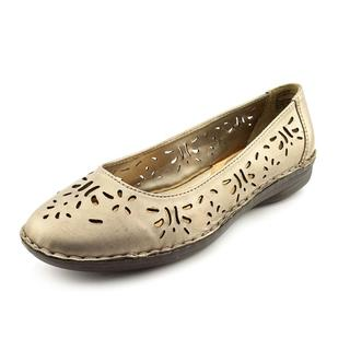 White Mountain Women's 'Lipstick' Leather Casual Shoes (Size 8 )