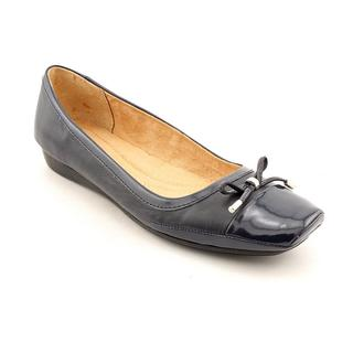 Naturalizer Women's 'Vision' Patent Leather Casual Shoes - Wide (Size 9.5 )