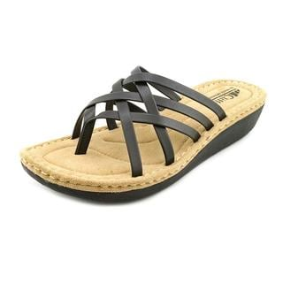 White Mountain Women's 'Chopstick' Faux Leather Sandals