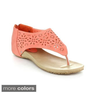 Top Moda Women's 'Siena-7' Laser Cut-out Sandals