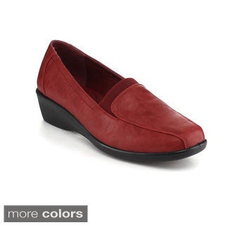 Refresh Women's 'Rocco-2' Slip-on Loafers