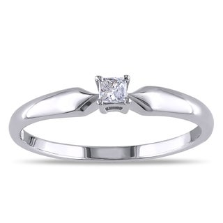M by Miadora Sterling Silver 1/10ct TDW Princess-cut Diamond Solitaire Ring (J-K, I2-I3)