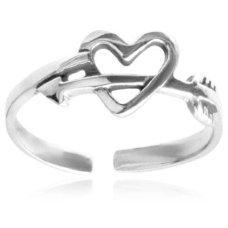 Journee Collection Sterling Silver Heart and Arrow Toe Ring