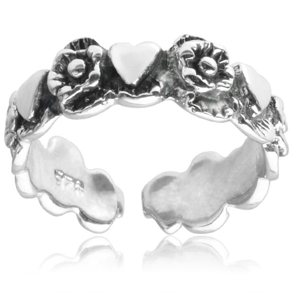 Journee Collection Sterling Silver Flower and Heart Toe Ring
