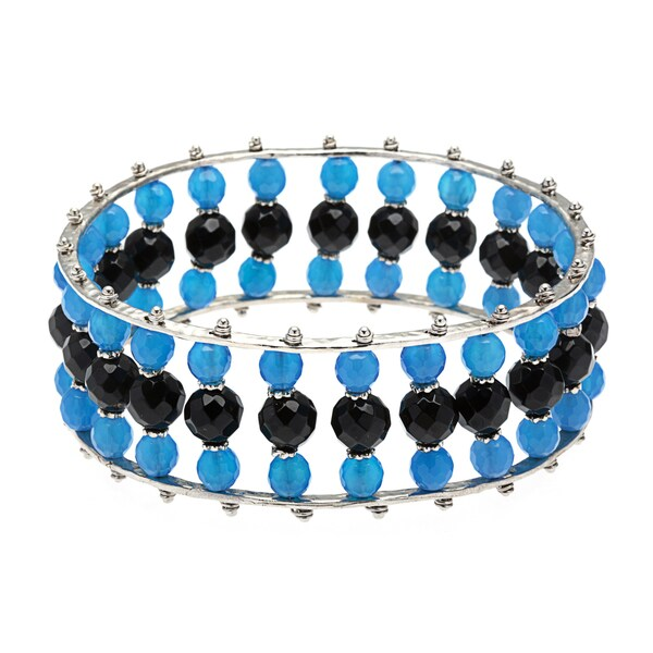 Silver Rhodium-plated Hammered Brass Blue/ Black Agate Bangle Bracelet