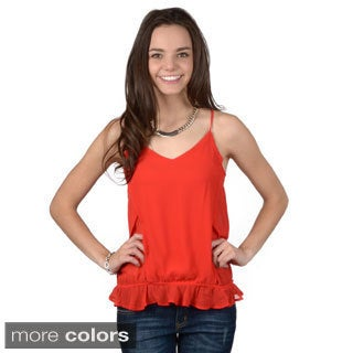 Journee Collection Junior's Sleeveless V-neck Chiffon Top