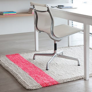 Hand-woven Papilio Pepper Pink Braided Area Rug (5'x8')