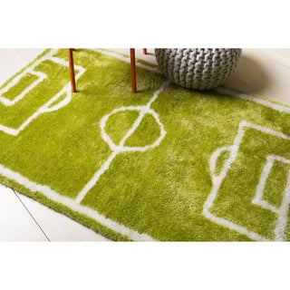 Papilio Pepper Hand-woven Green Soccer Shag Area Rug (4' x 6')