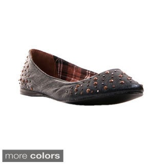 Nvy Women's 'Hot Dog' Studded Leather Pointed-toe Flats