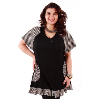 Women's Plus Black/ White Short-sleeve Animal Print Top