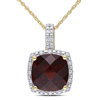 Miadora 10k Yellow Gold Garnet and 1/10ct TDW Diamond Necklace (H-I, I2-I3)