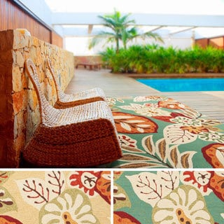 Hand-hooked Greta Transitional Floral Indoor/ Outdoor Area Rug (2' x 3')