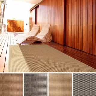 Meticulously Woven Meryl Solid Indoor/ Outdoor Area Rug (3'11 x 5'7)
