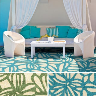 Hand-Hooked Hailey Transitional Floral Indoor/ Outdoor Area Rug (3'3 x 5'3)