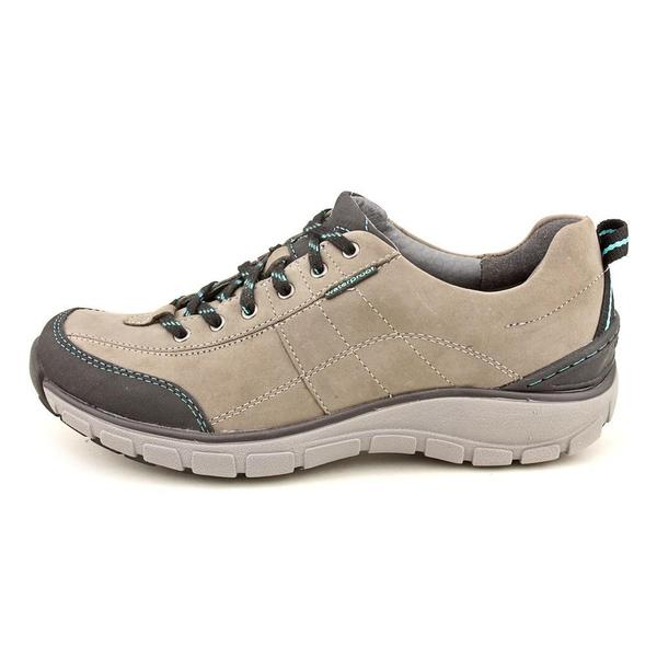 Clarks Wave Women's 'Wave Trek' Leather Athletic Shoe (Size 8 )
