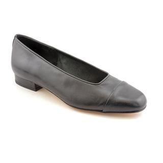 Vaneli Women's 'Frankie' Nappa Dress Shoes - Extra Narrow (Size 8 )