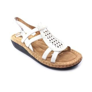 White Mountain Women's 'Chorus' Leather Sandals (Size 7.5 )