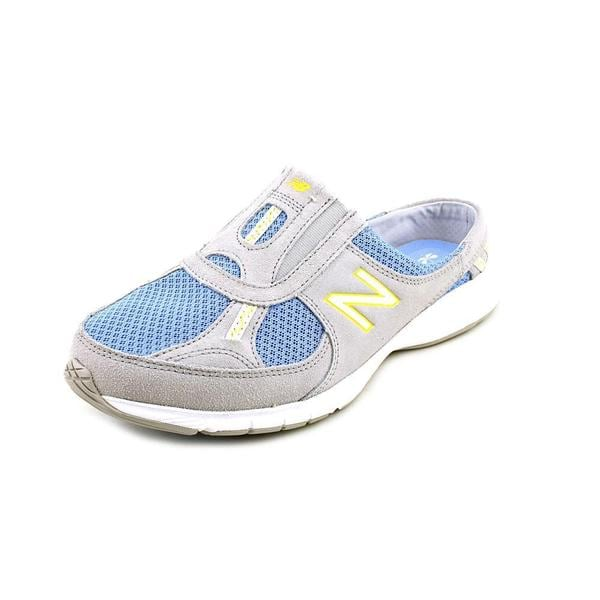 New Balance Women's 'WW520' Regular Suede Athletic Shoe - Wide (Size 7 )