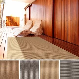 Meticulously Woven Meryl Solid Indoor/ Outdoor Area Rug (5'3 x 7'6)