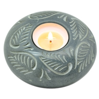 Sitara Hand-carved Palewa Stone Round Tea Light Holder (India)