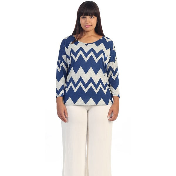 Hadari Women's Plus Size White and Royal Chevron Dolman Tee