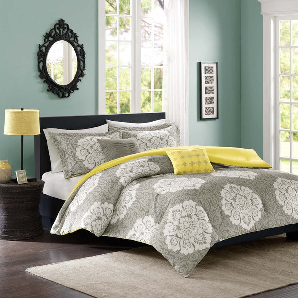 Intelligent Design Ciara 4-piece Comforter Set