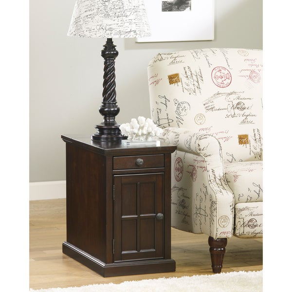 Signature Designs by Ashley Chairside USB Port End Table