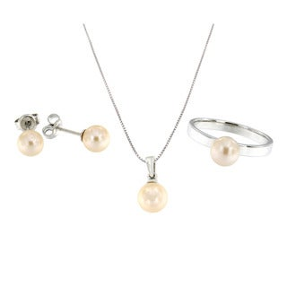 Pearlz Ocean Sterling Silver White Freshwater Pearl Ring, Earring, and Pendant Necklace Set (7-8 mm)