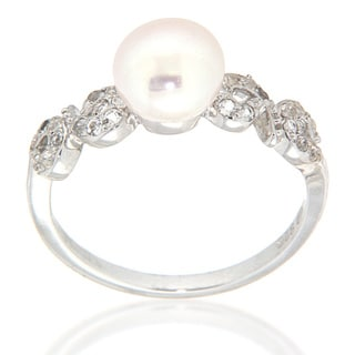 Pearlz Ocean Sterling Silver White Freshwater Pearl and White Topaz Ring (7-8 mm)