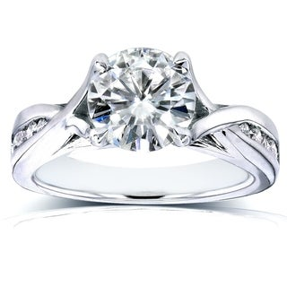 Annello 14k Gold Round-cut Moissanite and 1/5ct TDW Channel Diamond Engagement Ring (H-I, I1-I2)