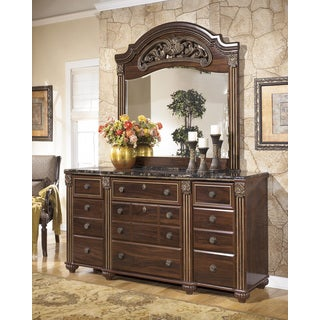 Signature Designs by Ashley 'Gabriela' 9-drawer Dresser