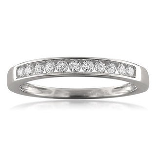 18k White Gold 1/4ct TDW Round-cut Diamond Channel-set Wedding Band (F-G, VS1)