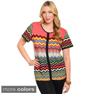 Feellib Women's Plus Short Sleeve Boxy Fit Top with Multi-colored Bold Geo Zig-zag Print