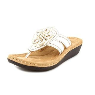 White Mountain Women's 'Carnation' Man-Made Sandals
