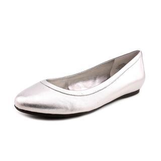 Anne Klein New York Women's 'Xaviera' Leather Dress Shoes