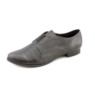 Mia Women's 'Eleanorr' Leather Casual Shoes